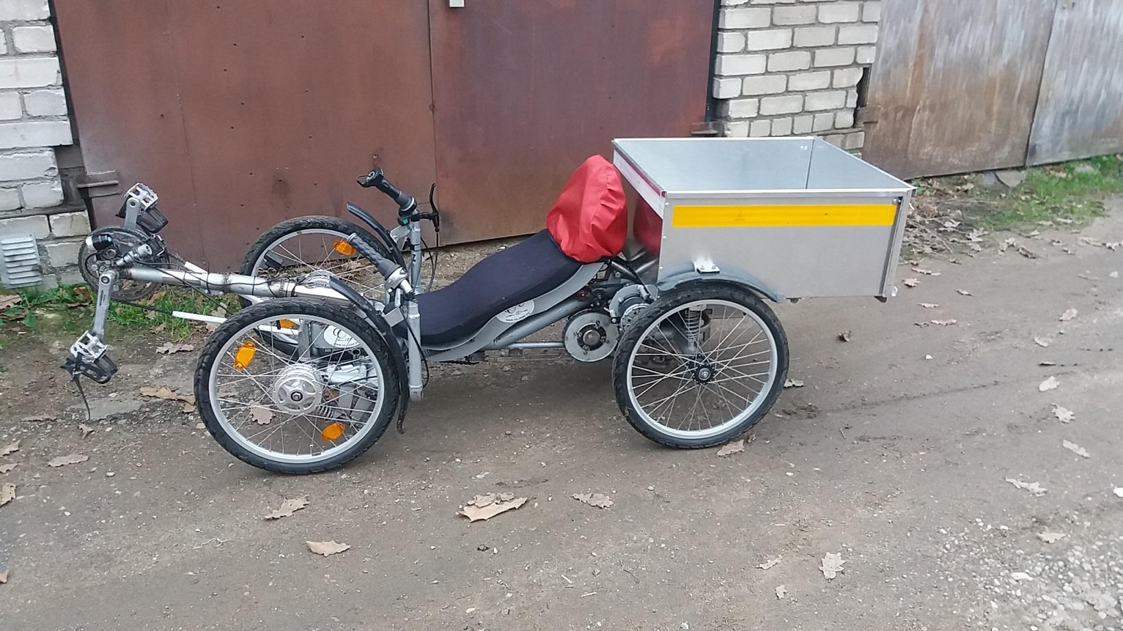 Velomobile Veloone prototype with cargo box side view.