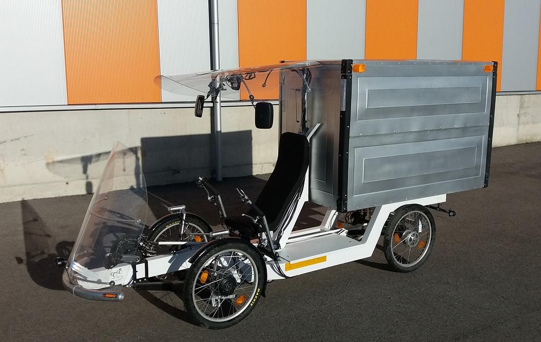 VeloOne cargo bio electric hybrid ultralight velomoibile prototype